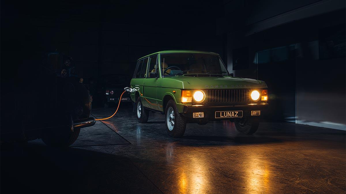 El Range Rover clásico vuelve convertido en un TT eléctrico