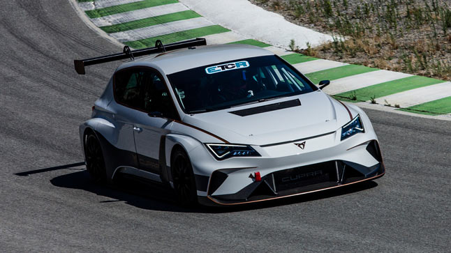 maiden dynamic test of the cupra e racer with jordi gene at the wheel003hq