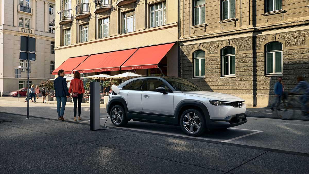 ¿Quieres un Mazda MX-30? La marca te adelanta la ayuda del Plan MOVES III
