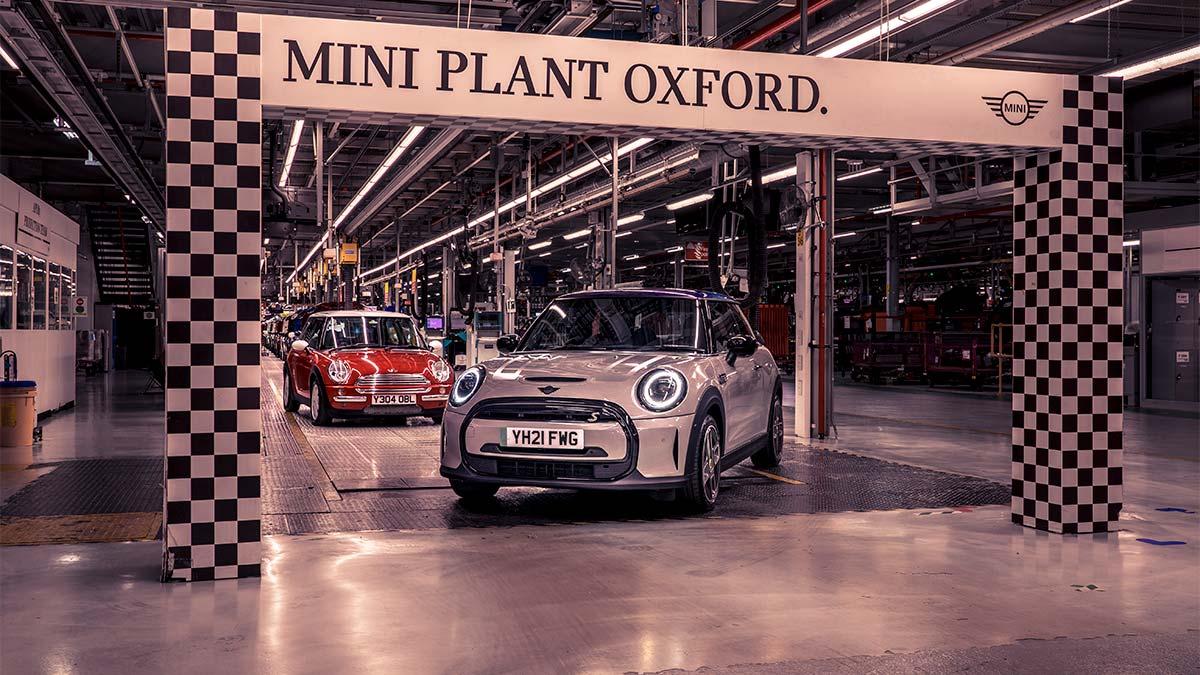 Mini celebra el 20º aniversario de las plantas de Oxford y Swindon