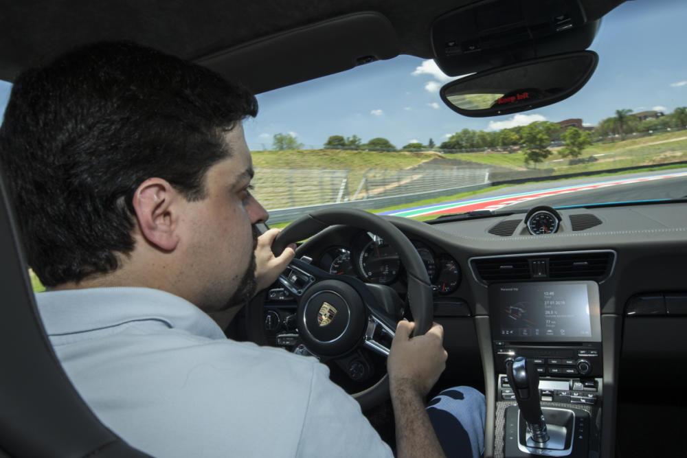 ¿Quieres ser un conductor de alto rendimiento? No te pierdas el Curso Driver's High Performance GECO