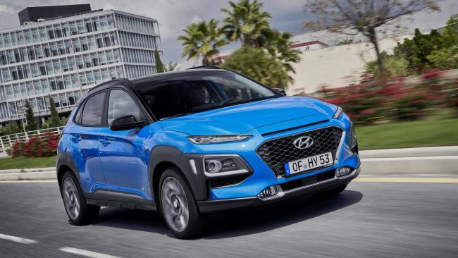 El Hyundai Kona, con motor gasolina de 120 CV en oferta, por 14.759 euros