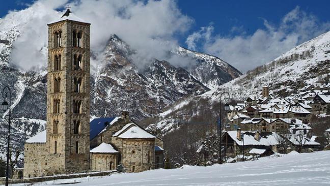 6 pueblos blancos para vivir la nieve en el Pirineo de Lleida