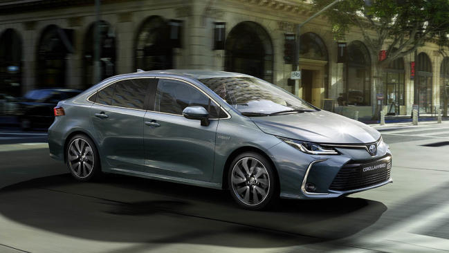 Nuevo Toyota Corolla Sedan Electric Hybrid 2021: más equipado que nunca