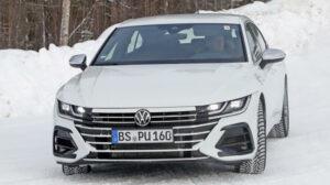 Fotos espía del Volkswagen Arteon R 2020