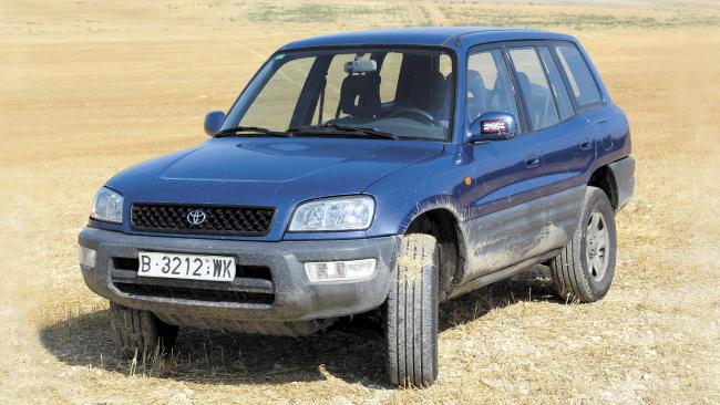 Toyota RAV4 LWB 2.0 16 V (1996)