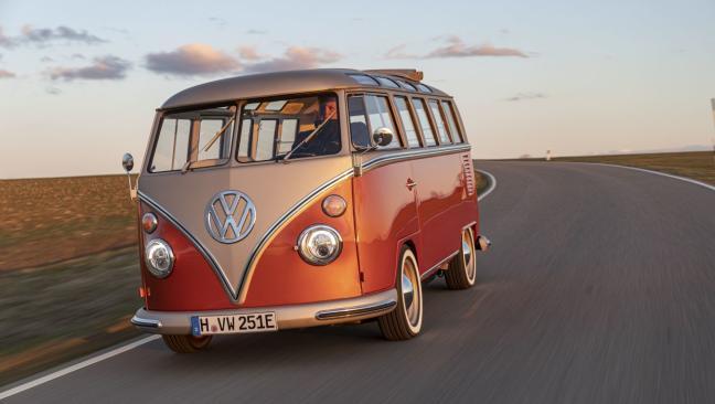 Volkswagen e-Bulli: la icónica T1 se reconvierte en una furgoneta eléctrica