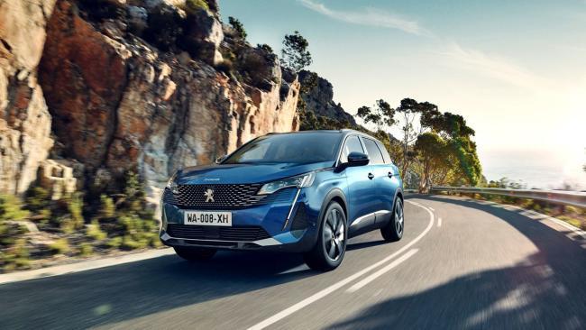 El nuevo Peugeot 5008, con motor gasolina PureTech de 130 CV en oferta, por 240 euros al mes