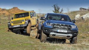 Fotos de la comparativa del Ford Ranger Raptor vs. Jeep Wrangler