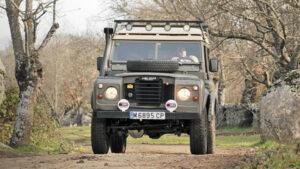 Fotos de la preparación del Land Rover-Santana 88: Herranz