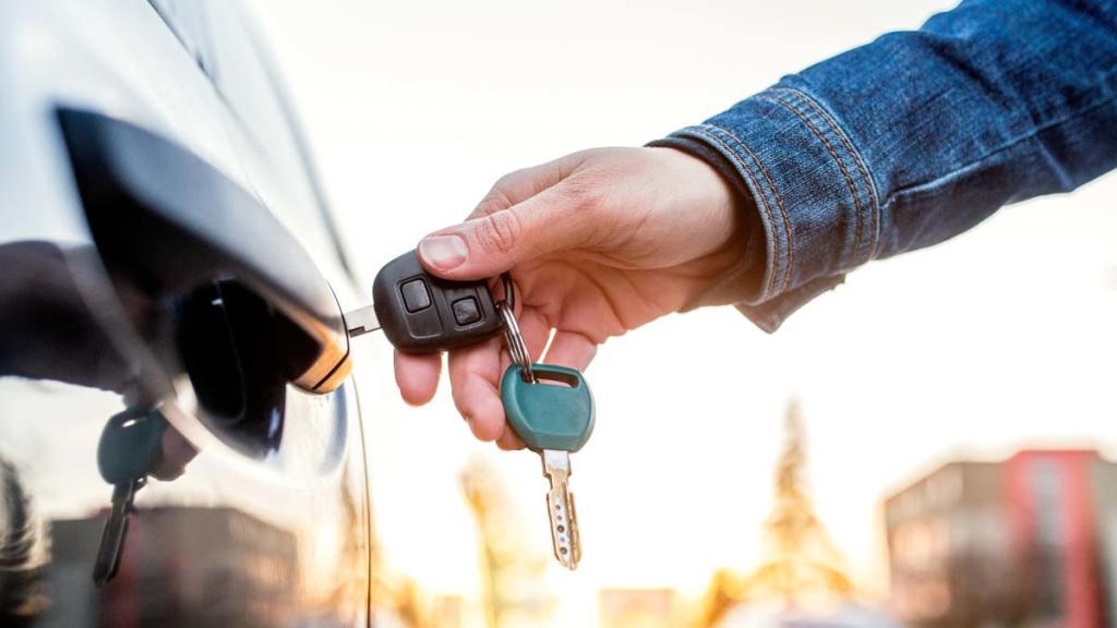 Las matriculaciones de coches de renting caen en febrero de 2021 un 30,14%