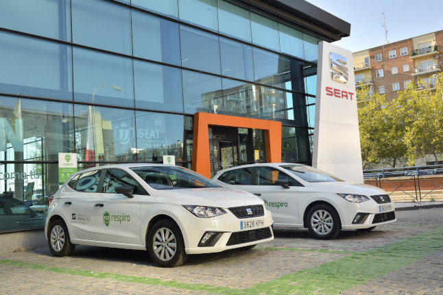 seat rents cars on a daily and hourly basis01hq