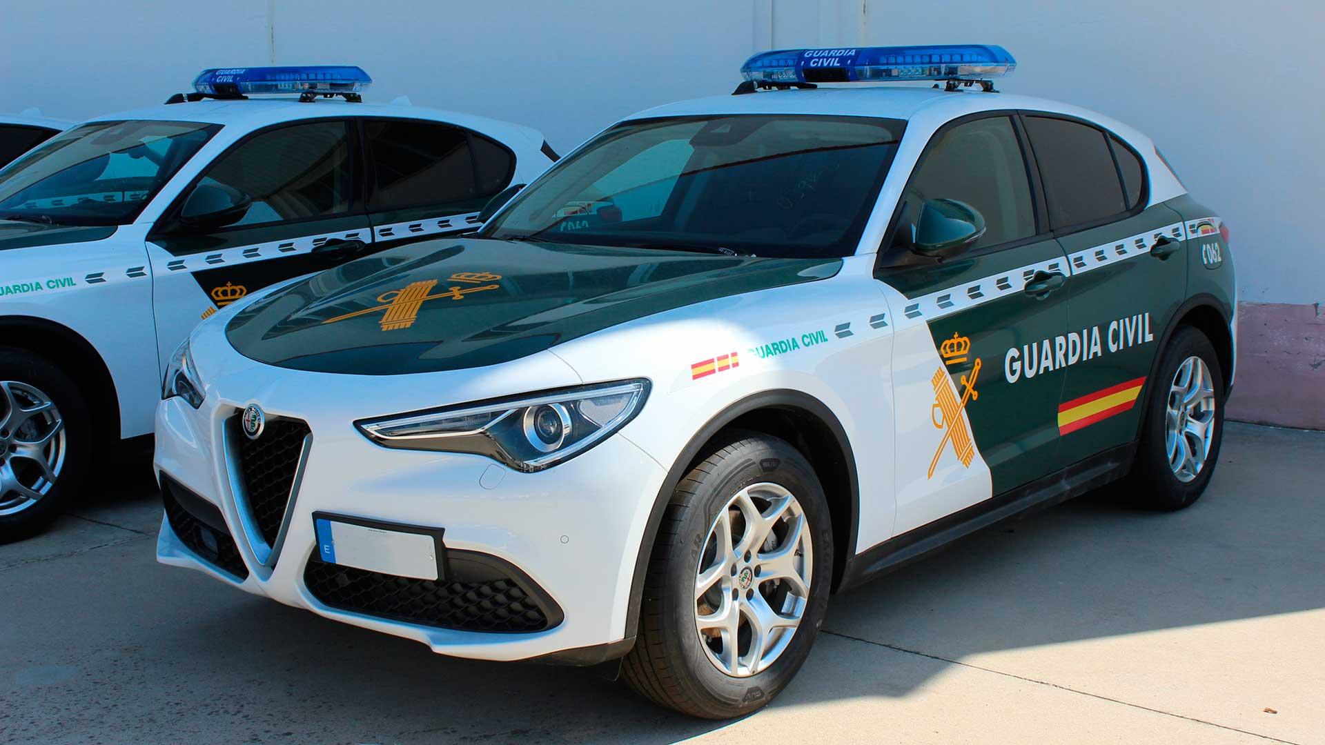 La Guardia Civil estrena coche: 62 Alfa Romeo Stelvio Q4 2021 de 200 CV