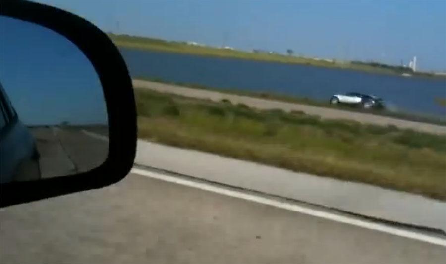 Estrella un Bugatti Veyron en un lago y le condenan por fraude