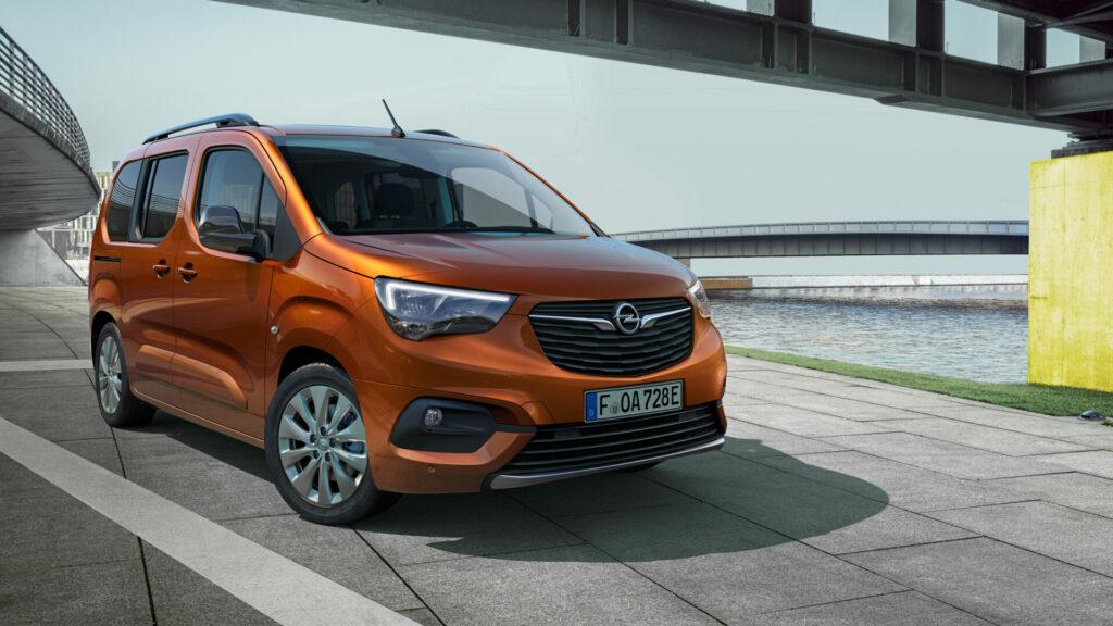 04 Opel Combo e Life 514354 e1624613983414