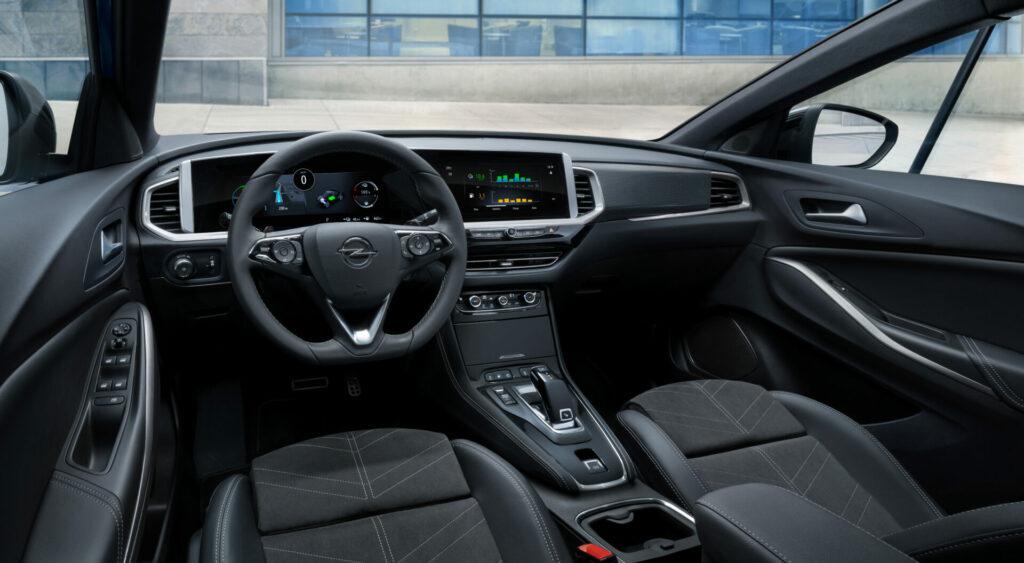 11 Opel Grandland Hybrid4 515799 1