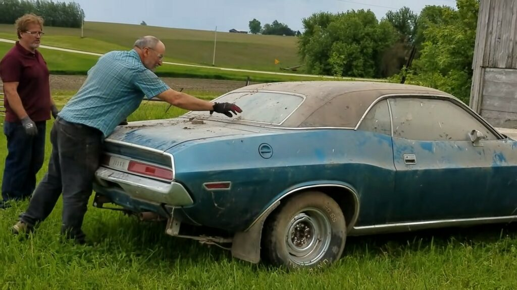1970 dodge challenger rolls out of the barn after 40 years gets first wash 4