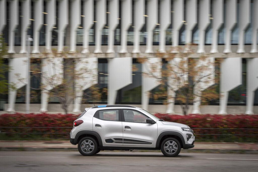 Dacia Spring 3