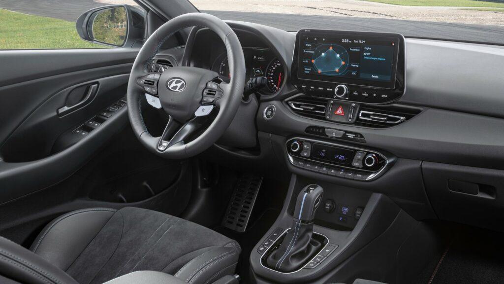 Hyundai i30 N 2021 interior e1624175154103