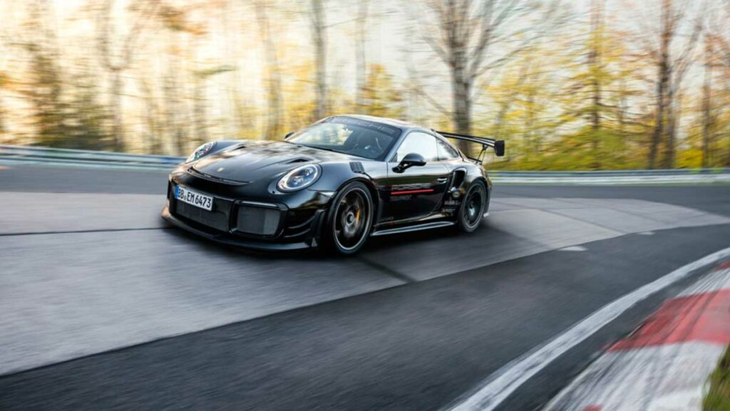 record-porsche-911-gt2-rs-nurburgring