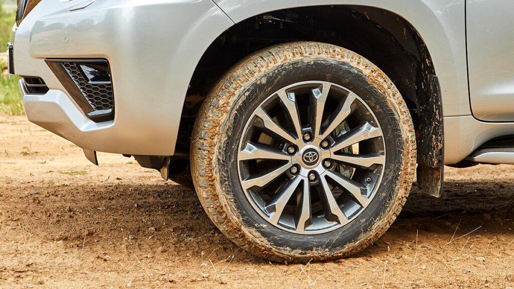 Toyota Land Cruiser rueda