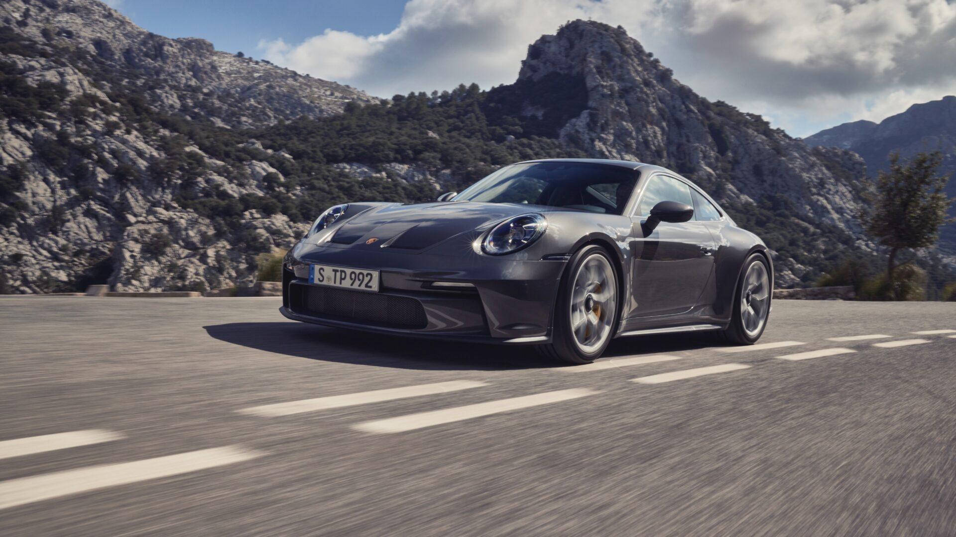 Nuevo Porsche 911 GT3 Touring 2021: discreto por fuera y un superdeportivo brutal por dentro