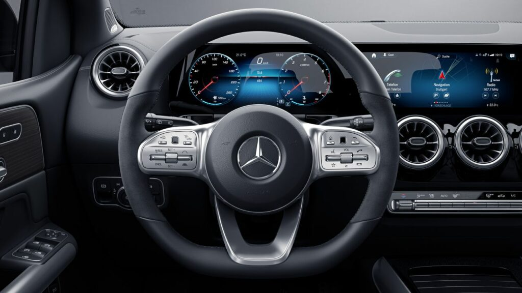 Mercedes B200 interior