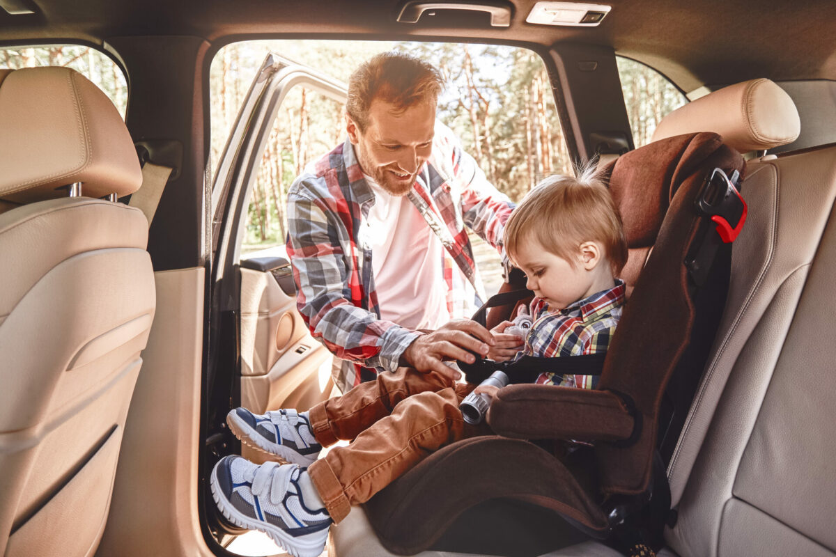 niño silla coche calor