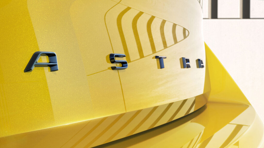 Opel Astra 2022 porton