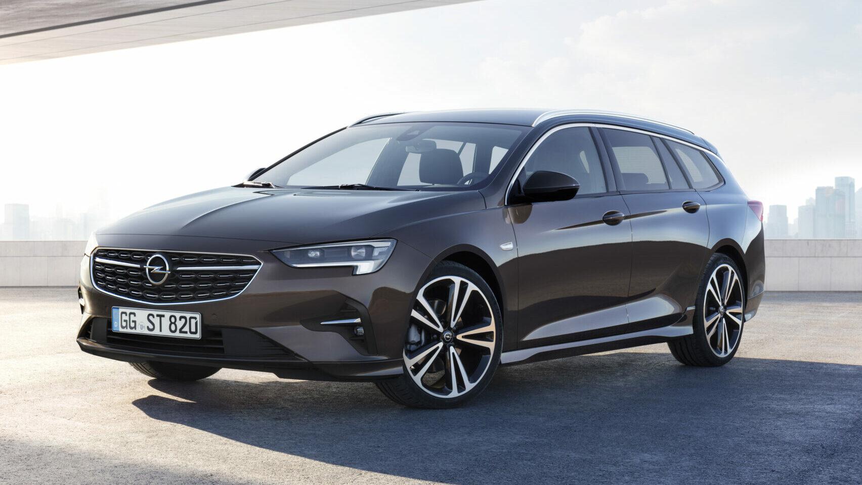 Opel Insignia ST 2021: un familiar de casi 5 metros, con motor tres cilindros diésel… ¡y 8.500 € de descuento!