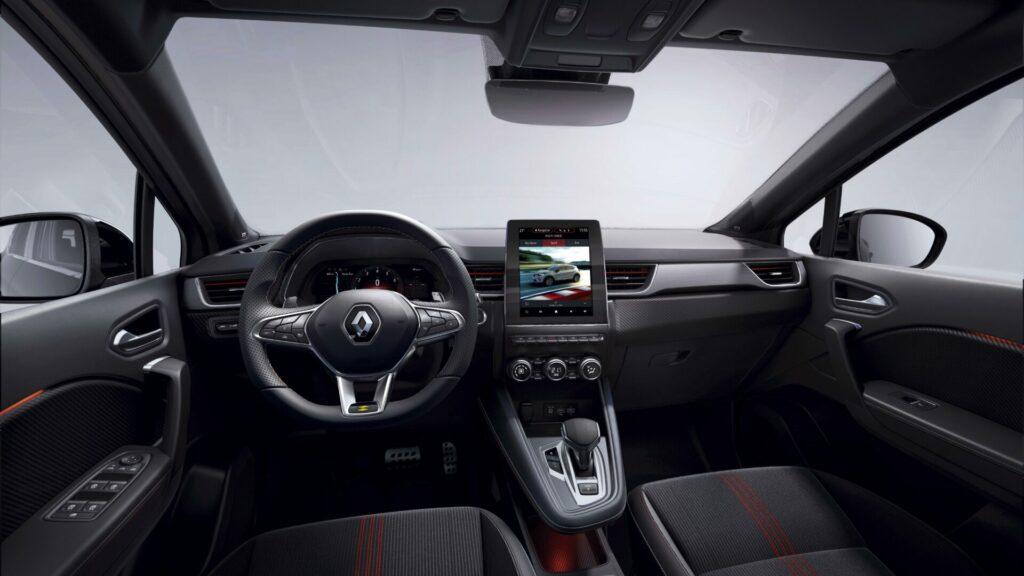 Renault Captur RS Line interior