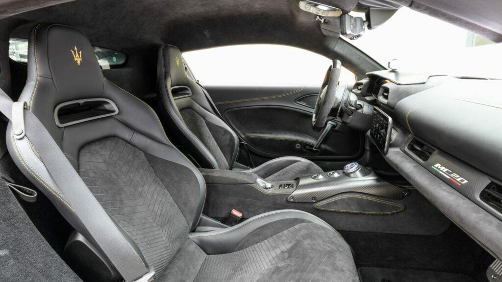 asientos maserati mc20