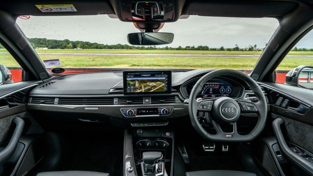 Mercedes AMG C63 S Estate v Audi RS4 Avant feature 6
