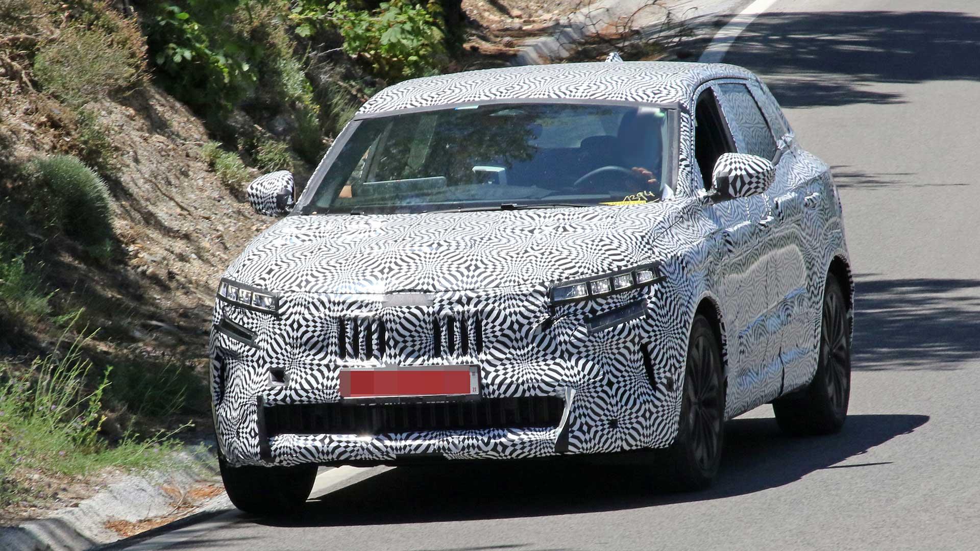 Nuevo Renault Kadjar 2022: fotos espía durante los test de verano