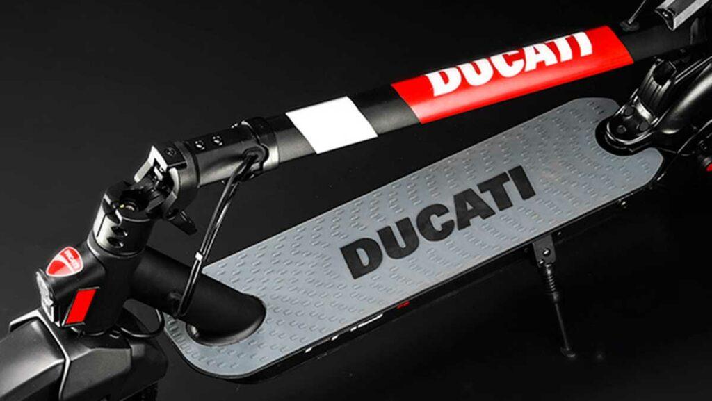 ducati-patinete-electrico