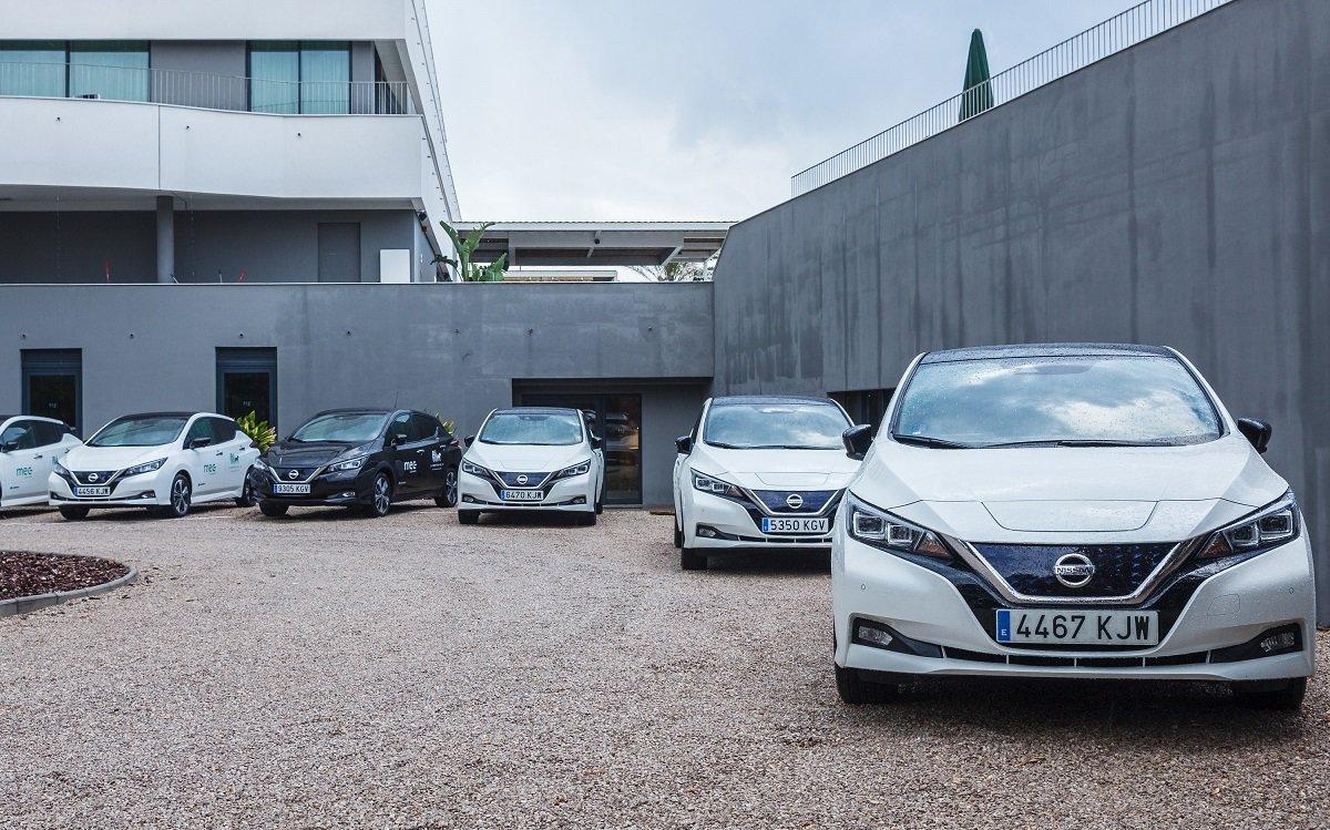 Uber y Nissan se alían para electrificar el sector del taxi y VTC en España