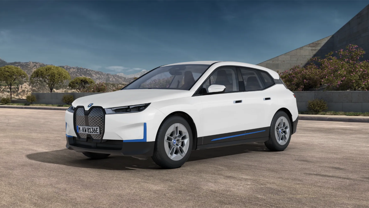 Nuevo BMW iX xDrive40 2021: así es la versión de acceso del impactante SUV bávaro