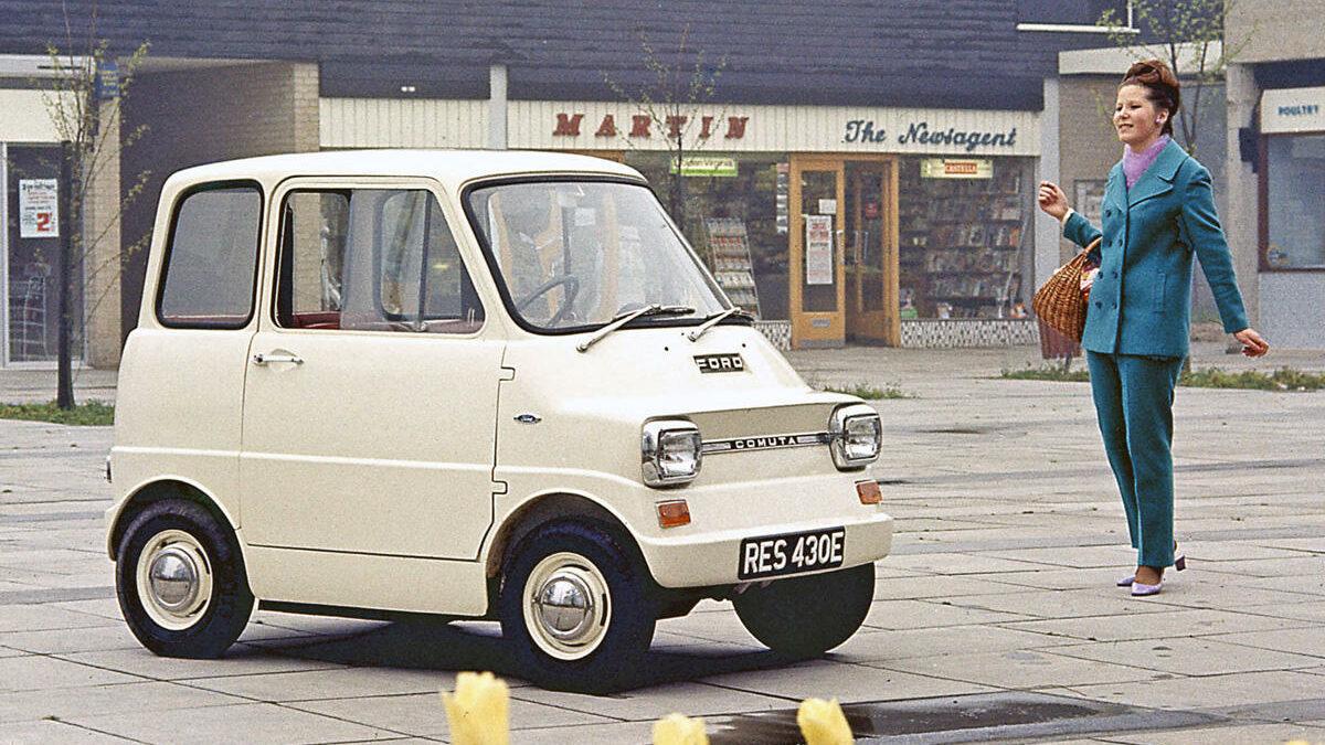 Pequeño, con un enfoque urbano y cuatro plazas, el Ford Comuta nacido en los años 60 sería el equivalente al smart actual.