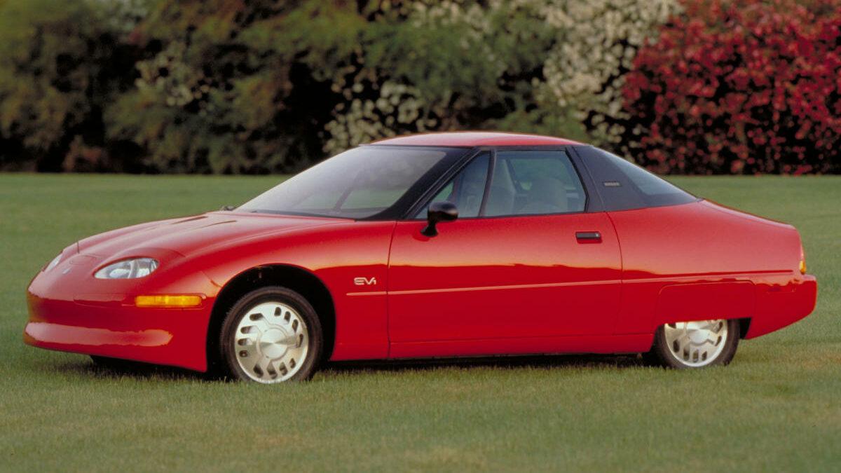 El EV1 de General Motors está considerado como el primer coche eléctrico de concepción moderna.
