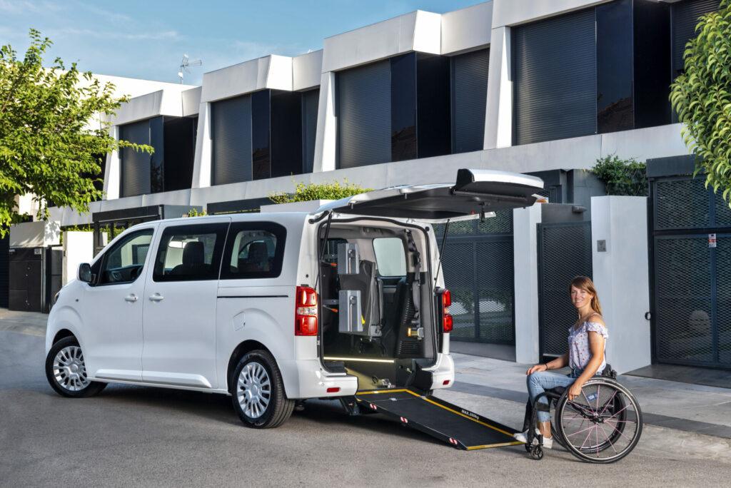 Así son los Toyota Proace y Proace City dedicados al transporte de personas con movilidad reducida