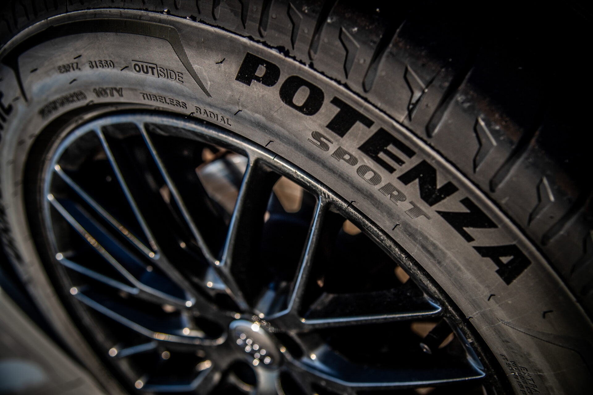 We tested the Bridgestone Potenza Sport tire: sportiness for everyday