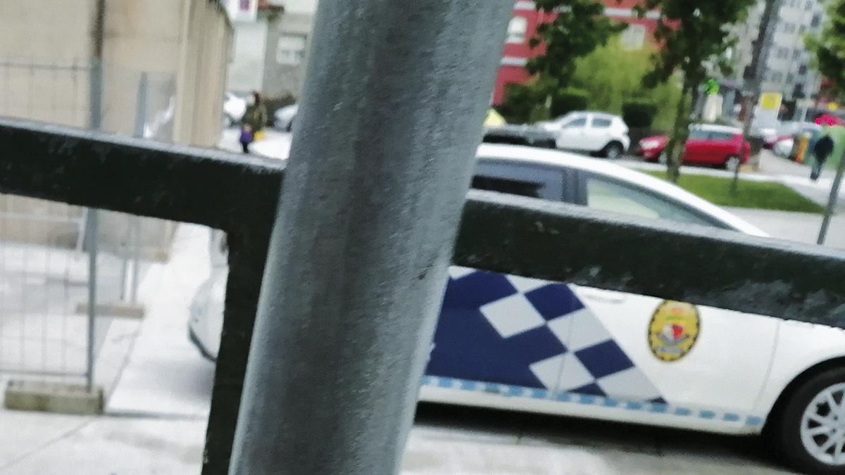 Policia aparcada