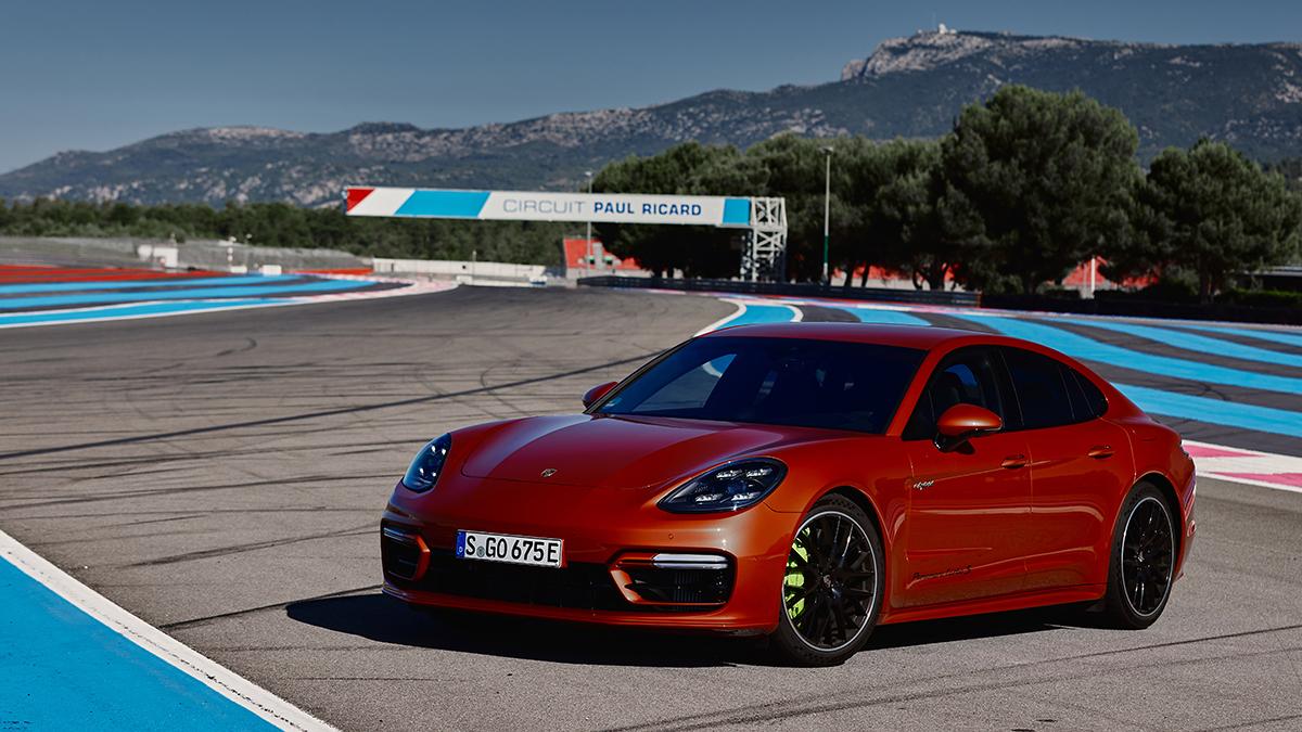 Crisis de microchips: Porsche apuesta por montar unidades temporales