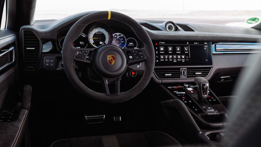 Porsche_Cayenne_Turbo_GT_7