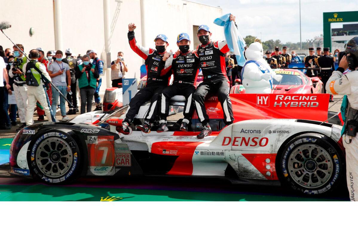 Mike Conway, Kamui Kobayashi y Pechito López dan la victoria a Toyota en el debut de los Hypercar en las 24 Horas de Le Mans