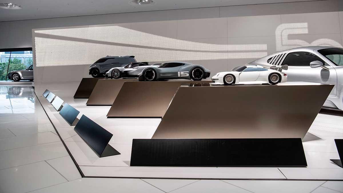 Descubre los detalles del lugar donde nacen los Porsche con la exposición '50 años de desarrollo en Weissach'