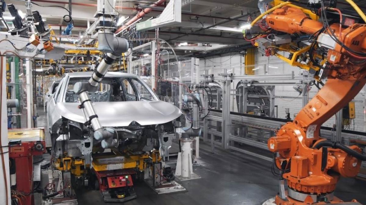 La crisis mundial de los chips sacude al sector del automóvil en España
