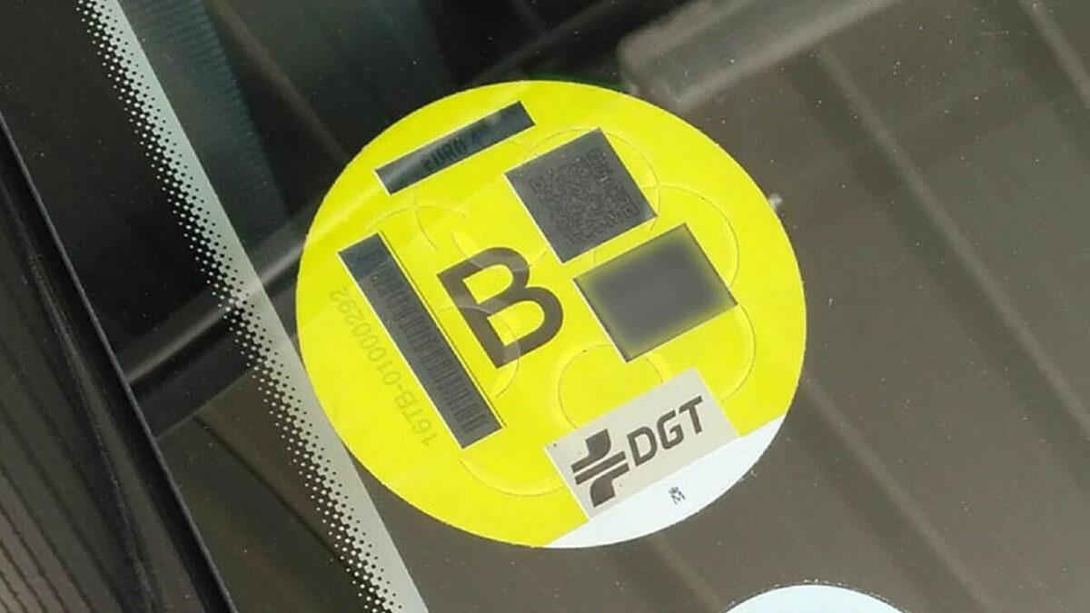 Los vehículos con etiqueta medioambiental B podrán seguir circulando por la Zona de Bajas Emisiones de Barcelona en 2022