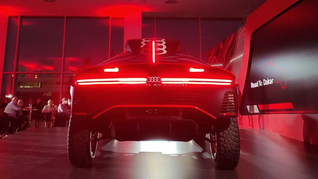 Audi RS Q e-tron trasera