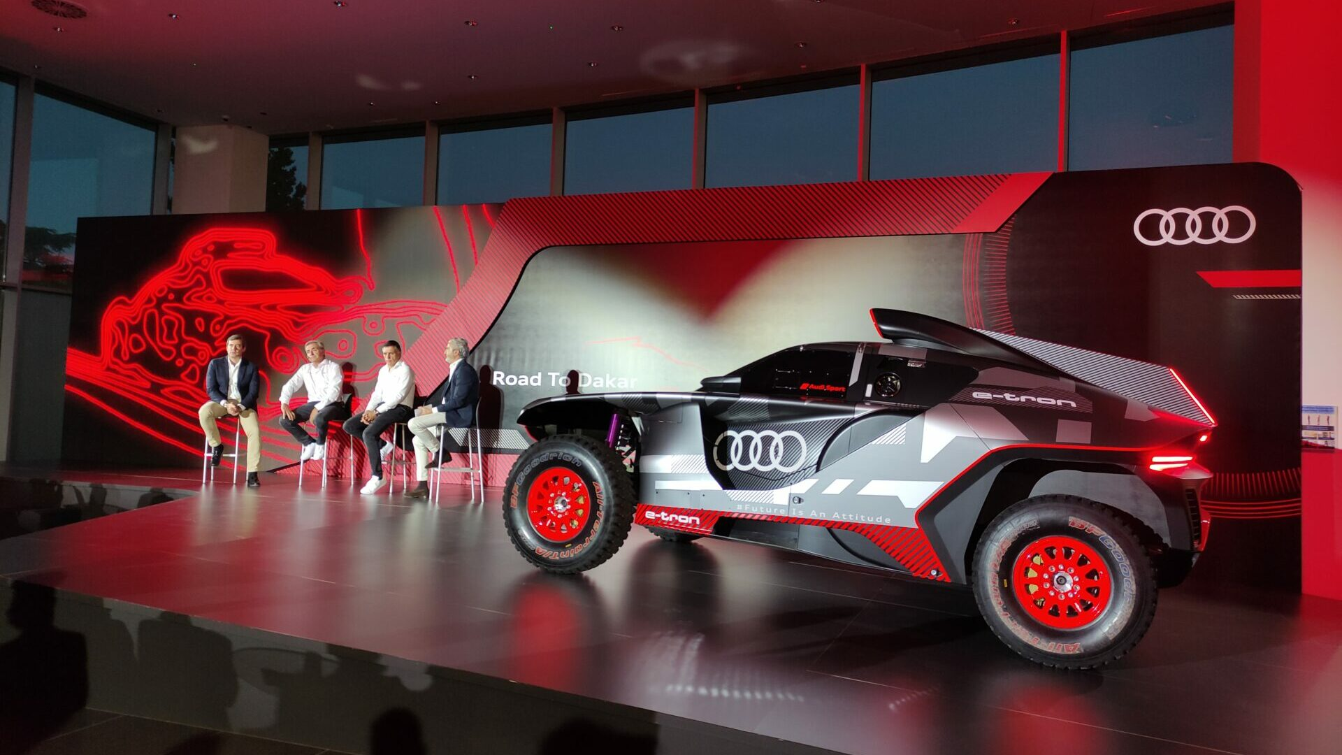 Audi RS Q e-tron, Carlos Sainz y Lucas Cruz
